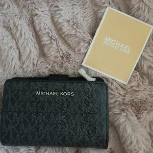 Michael Kors leather bifold wallet *new*